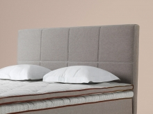 DUX Quadro headboard with contrasting stitching. DUX Quadro Classic headboard with matching stitching. Height 100 cm.